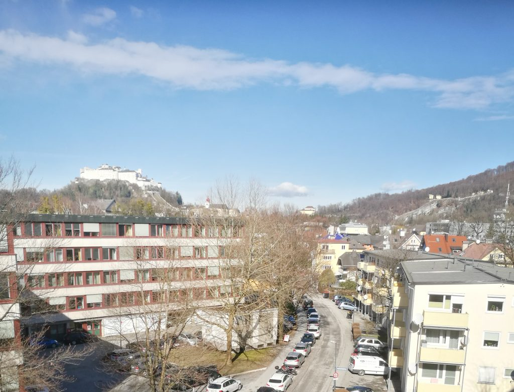 Salzburg – 3-room flat with balcony and fortress view